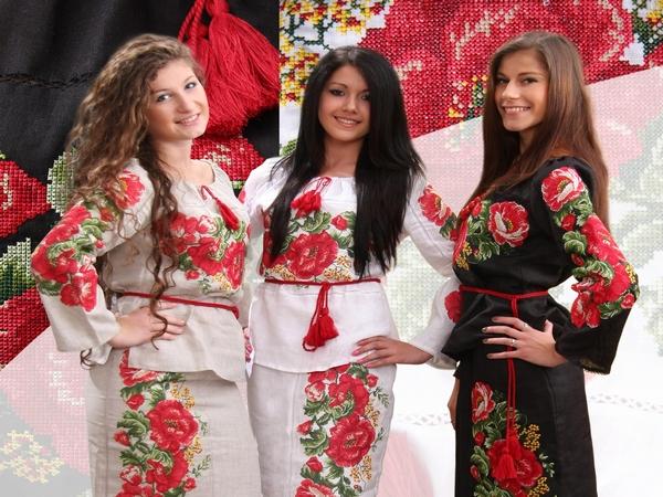 женская одежда в украинском стиле